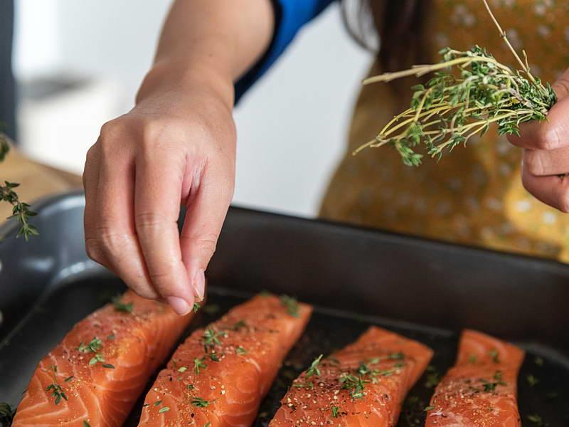 Salmone alle erbe aromatiche
