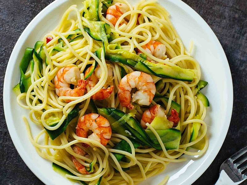 Spaghetti gamberetti e zucchine
