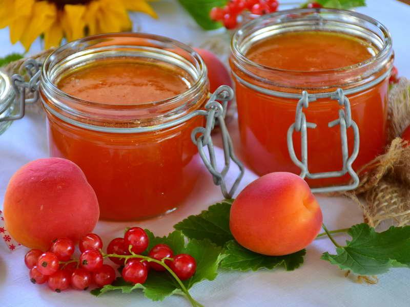 Confettura di Albicocche e Ribes rosso