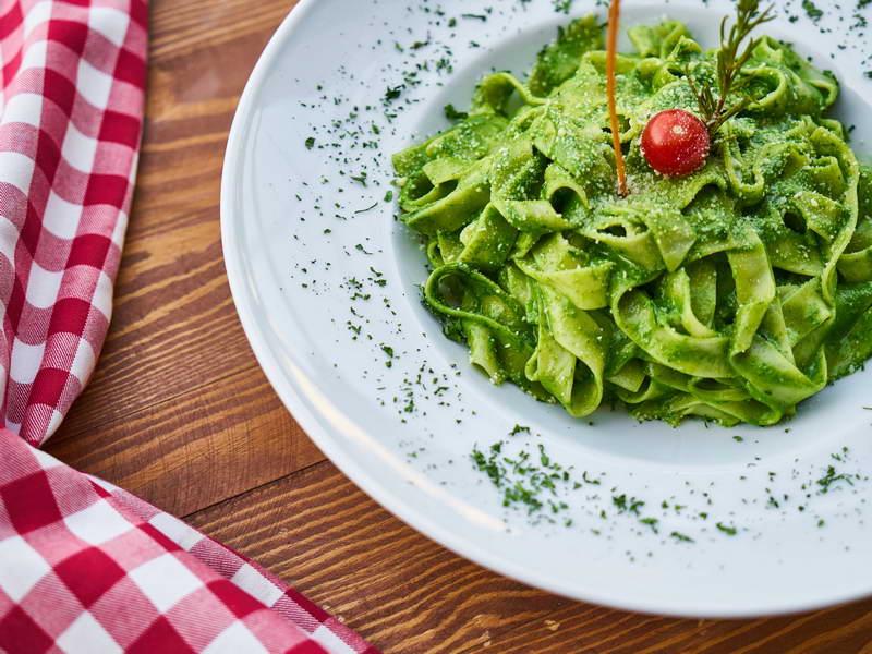 Tagliatelle verdi con salsa agli spinaci